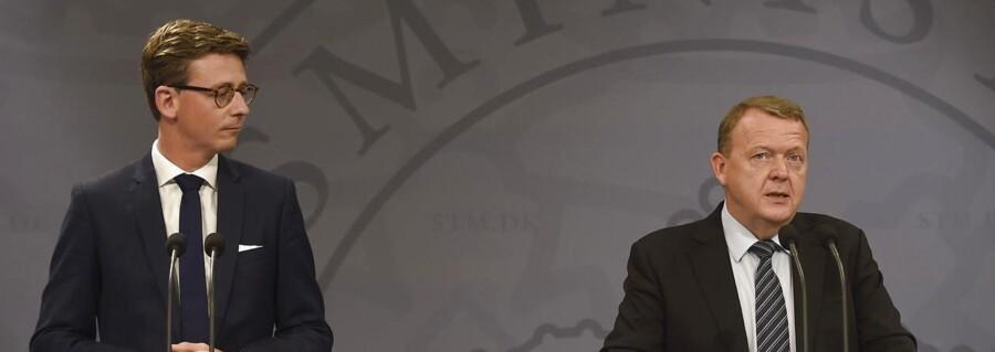 Statsminister Lars Løkke Rasmussen og skatteminister Karsten Lauritzen præsenterer regeringens plan for et nyt skattevæsen på et pressemøde i Spejlsalen i Statsministeriet tirsdag den 13. juni 2017 Pressemøde om SKAT. (Foto: Liselotte Sabroe/Scanpix 2017)
