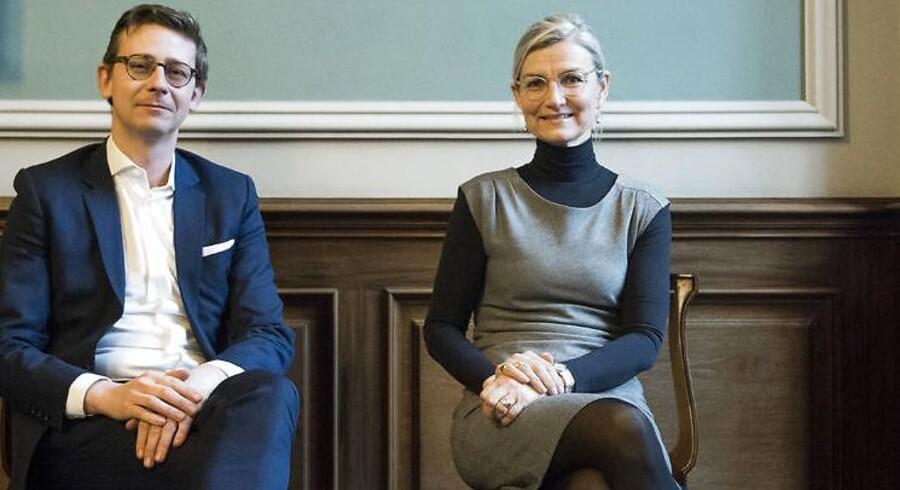 Skatteminister Karsten Lauritzen og udviklingsminister Ulla Tørnæs har været i Ghana for at lære landets myndigheder at inddrive skat.