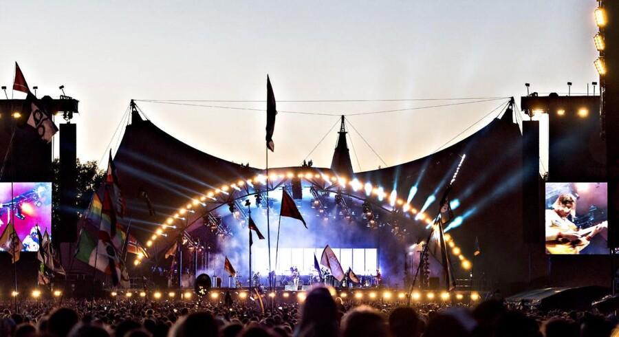 »Mon det ville hjælpe at opstille flere koranklodser omkring festivalerne?«, lød fra Dansk Folkepartis udviklingsordfører, Claus Kvist Hansen, i kølvandet på en række anmeldelser om voldtægter på årets Roskilde Festival samt den svenske festival Bråvalla Festival. På billedet ses Roskilde Festivals Orange Scene.