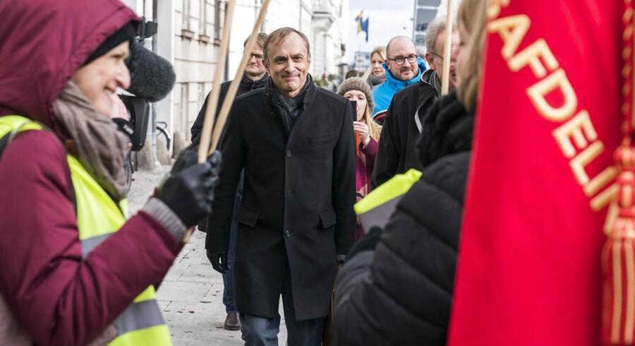 MIchael Ziegler ankommer til møde i forligsinstitutionen, Sankt Annæ Plads 5 i København torsdag den 1. marts 2018. Forligsmand Mette Christensen skal forsøge at undgå en storkonflikt, som kan blive en realitet, hvis parterne ikke kan blive enige. (Foto: Martin Sylvest/Scanpix 2018)