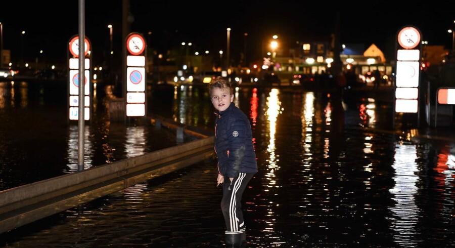 Forhøjet vandstand i Køge onsdag aften d. 4. januar 2017, som følge af stormflod.