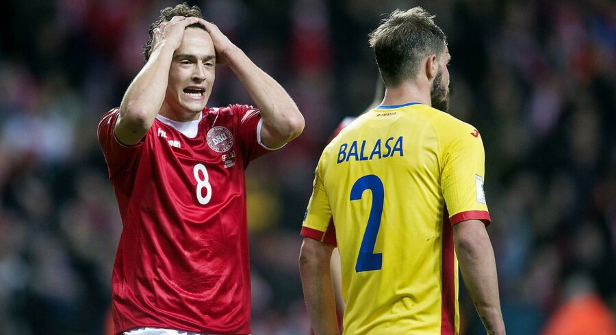 Danmarks Thomas Delaney med stor chance under VM-kvalifikationskampen mellem Danmark-Rumænien i Telia Parken søndag d. 8 okt. (Foto: Liselotte Sabroe/Scanpix 2017)