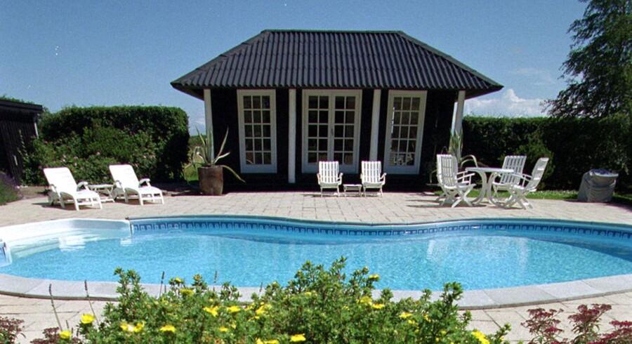 Se dig for, når du lejer feriebolig - sommerdrømmen om at dase ved poolen kan blive ødelagt af svindlere.