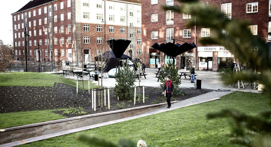 Københavns første klimasikre byrum, Tåsinge Plads på Østerbro, der skal kunne håndtere fremtidens ekstremregn med grønne løsninger.