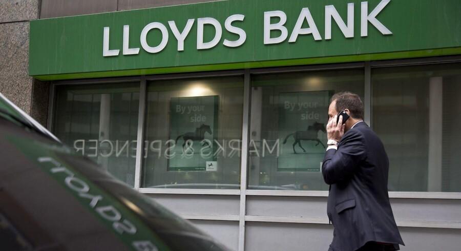 Aktien i Lloyds Banking Group stiger.