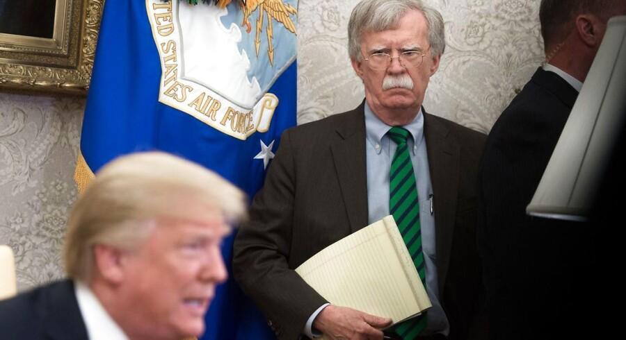 John Bolton sammen med præsident Trump under et møde med NATO-generalsekretær Jens Stoltenberg tidligere på måneden.