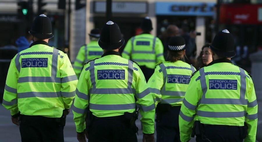 Britisk politi i London efter angrebet i Manchester mandag aften.