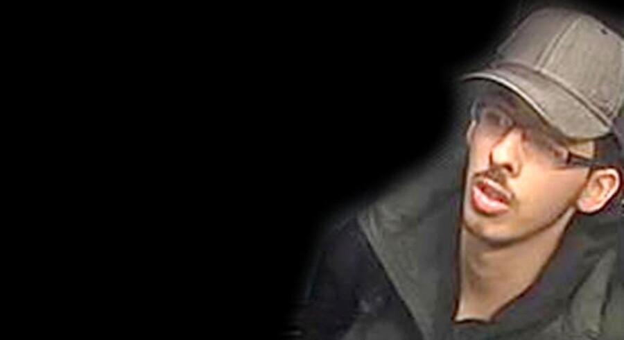 Politiet i Manchester har frigivet dette overvågningsbillede fra natten, hvor Salman Abedi angreb en Ariana Grande-koncert i Manchester Arena.