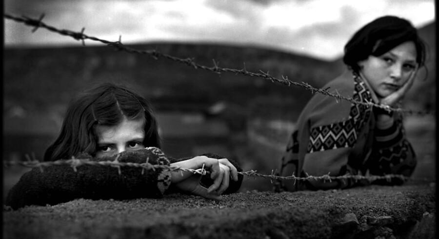 Regeringen vil gøre det muligt at afvise uledsagede flygtningebørn ved grænsen til Danmark. Men hvis barnets fremtid skal afgøres ved grænsen, risikerer de at blive fejlvurderet, mener Dansk Flygtningehjælp.