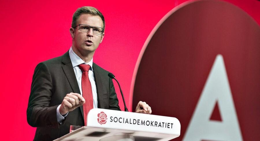 Benny Engelbrecht, tidligere skatteminister, og nuværende finansordfører for Socialdemokraterne. Han udtrykker skuffelse over A.P Møller-Mærsks beslutning om at sælge Maersk Oil.