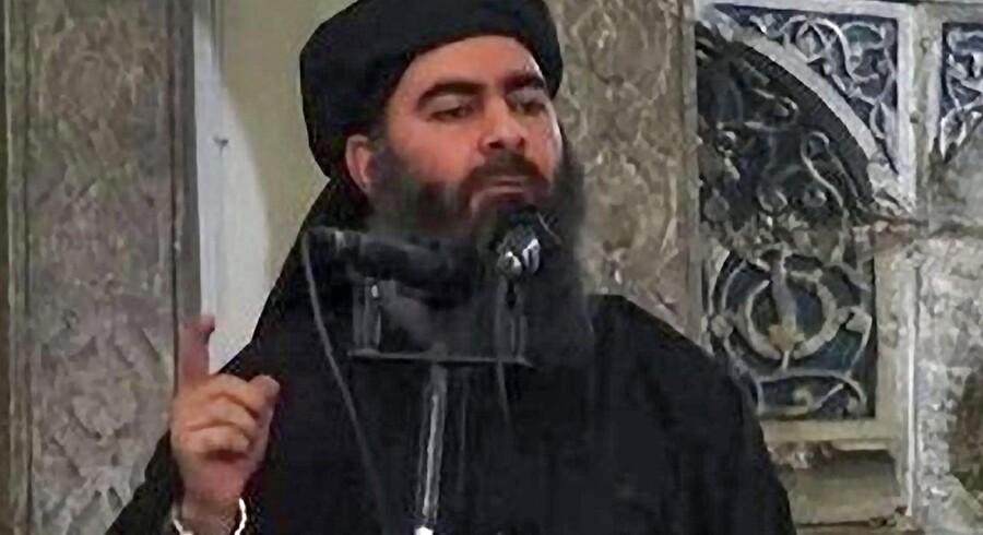 Arkivfoto. Libanesiske Hizbollah melder, at Abu Bakr al-Baghdadi, som udråbte IS-kalifatet, blev set i Albu Kamal.