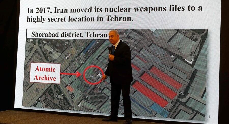 Israels premierminister siger i en tv-tale, at Israel har oplysninger om, at Iran fortsætter sit atomprogram.