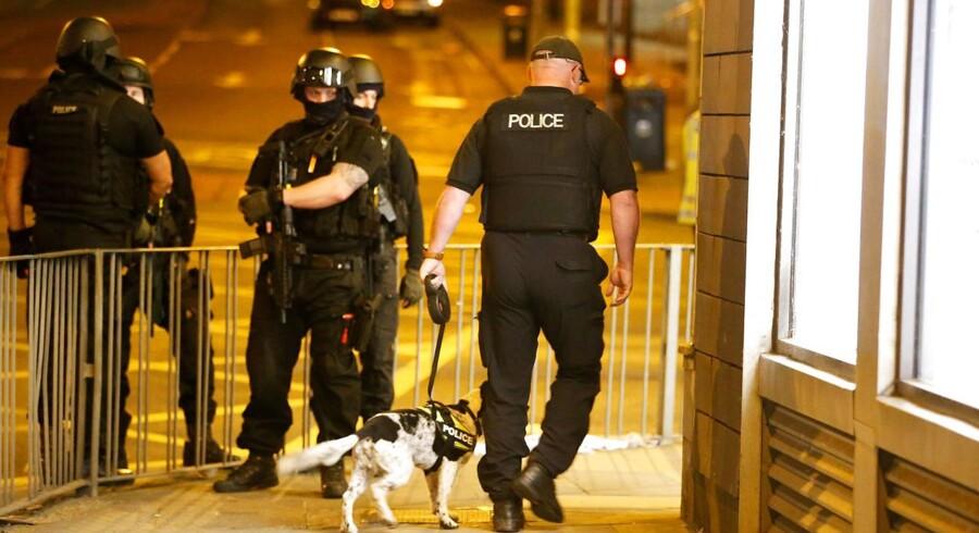 Arkivfoto. Politiet i London oplyser, at det torsdag har sigtet tre mænd for at ville udføre et terrorangreb. REUTERS/Andrew Yates