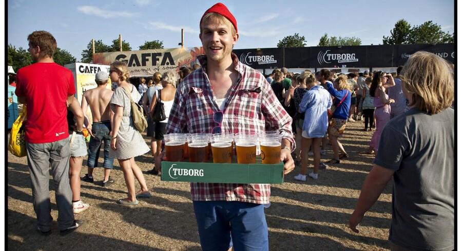 Roskilde festival: Stemning på festivalpladsen - Tuborg øl må der til.