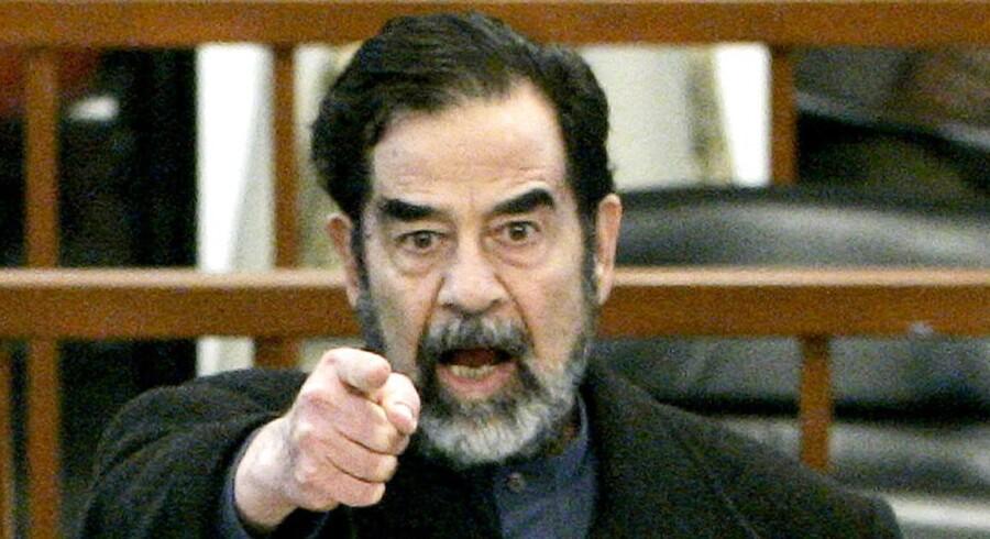 Den tidligere CIA-psykoanalytiker John Nixon har skrevet en bog om sine utallige afhøringer af Iraks tidligere præsident og diktator Saddam Hussein.