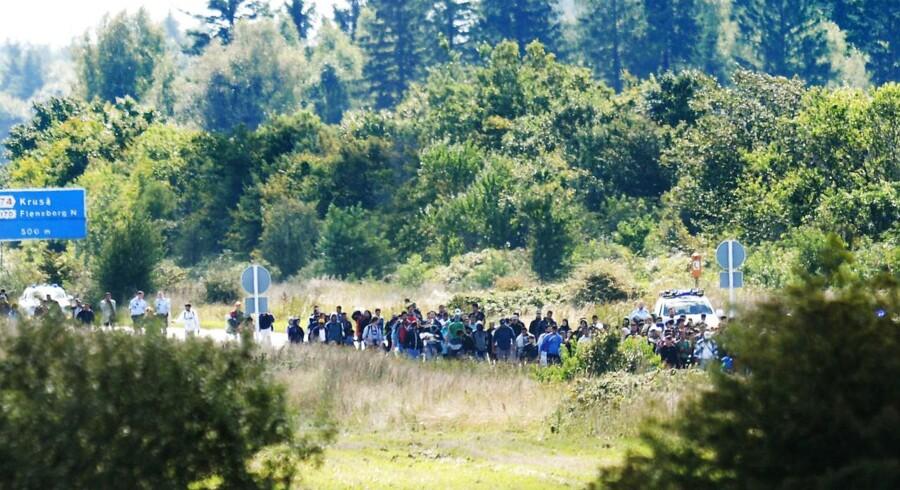 Vandrende flygtninge spærrer den sønderjyske motorvej E45 onsdag d. 9. september 2015