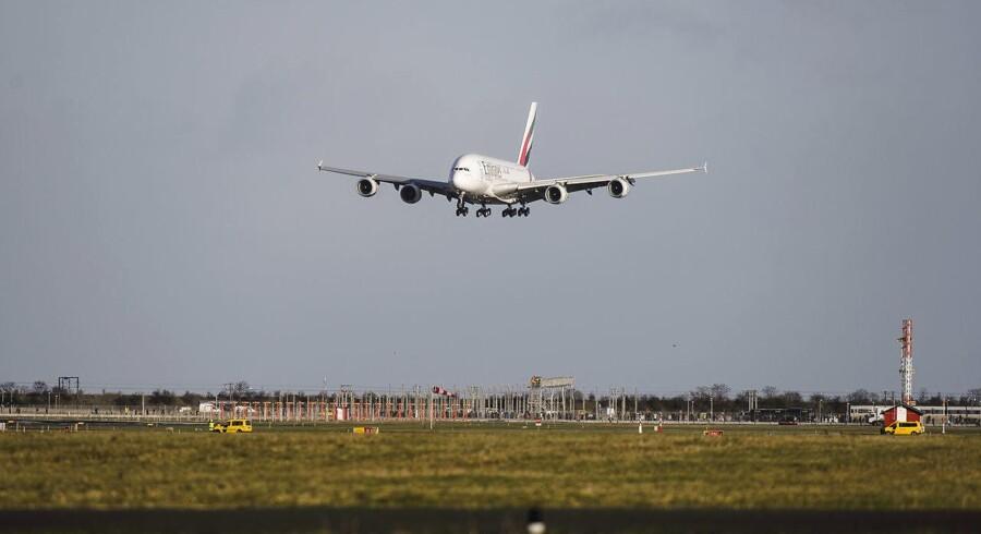 Emirates Airbus A380 lander for første gang i Kastrup lufthavn, tirsdag d. 1 december.