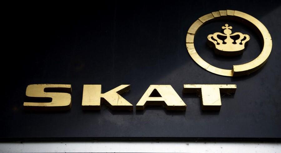 En medarbejder ved SKAT var allerede under mistanke i 2011 for at svindle med skattekroner - men fik lov at fortsætte sit arbejde.