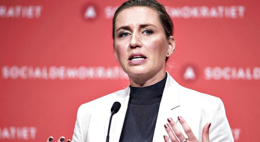 Danskerne skal stole på Socialdemokratiets udlændingekurs. Mette Frederiksen vil have lov at lægge linjen.