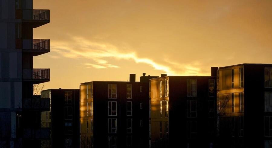 Solnedgang over nye lejligheder på Teglholmen.