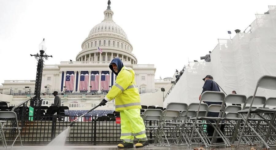Dagen før Donald Trumps indsættelse som præsident var der hektisk aktivitet ved Capitol.