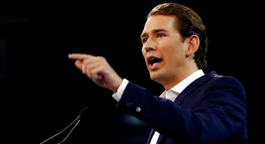 Den blot 31-årige udenrigsminister, Sebastian Kurz, har særdeles gode chancer for at blive kansler og dermed også Europas yngste regeringschef ved søndagens østrigske valg.
