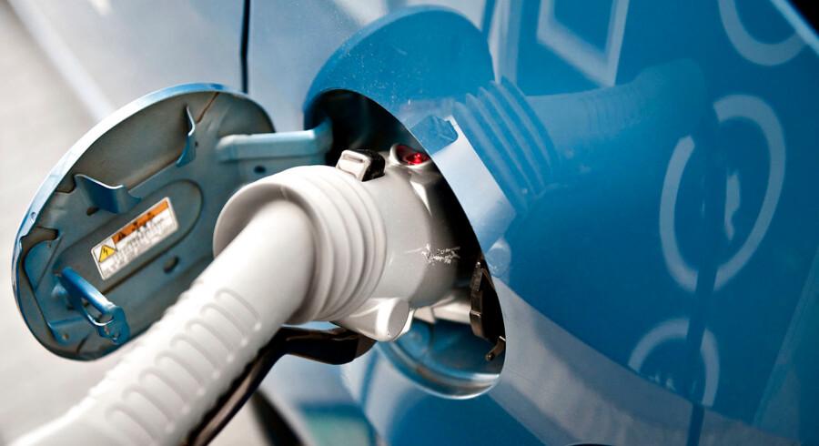 Som det første land i Norden får Danmark nu et landsdækkende netværk til opladning af elbiler. Det landsdækkende netværk af hurtiglader- og normallader-stationer blev indviet i dag d. 1. juni 2012 på Landgreven i København. (Foto: Torkil Adsersen/Scanpix 2012)