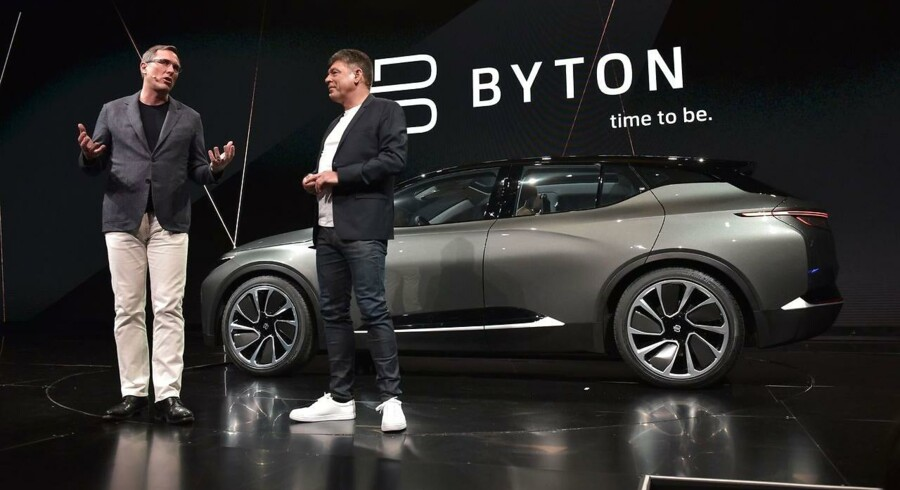 Byton-medstifter Daniel Kirchert (tv.) og adm. direktør Carsten Breitfeld præsenterede søndag den intelligente elbil Byton ved elektronikmessen CES 2018 i Las Vegas.
