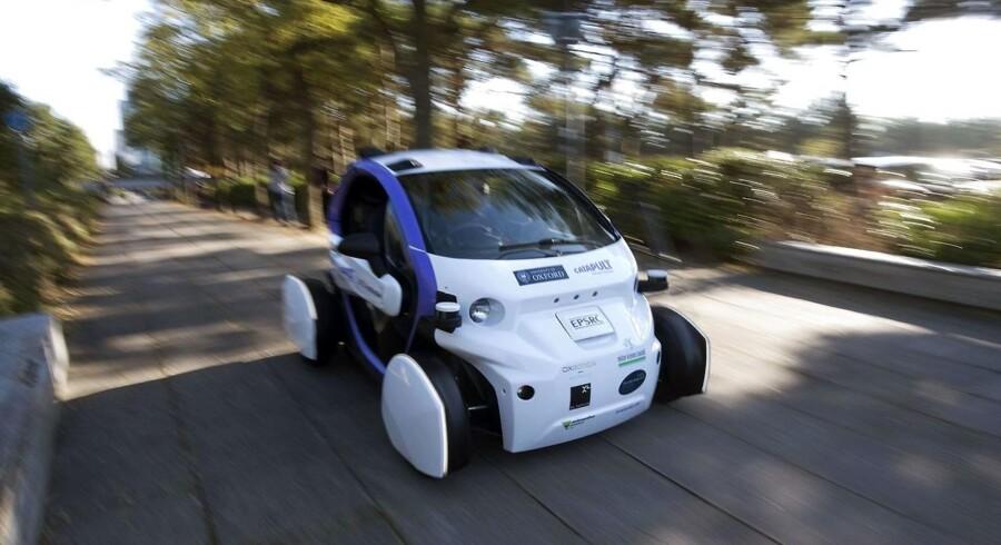 Selvkørende biler vil i fremtiden udrydde idéen i at tage et kørekort.