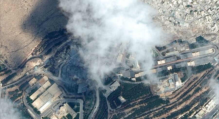 Satellitbillede af Barzah Research and Development Center i Damaskus efter det blev ramt af koalitionens bomber 14. april 2018.  ©DigitalGlobe/Handout via REUTERS