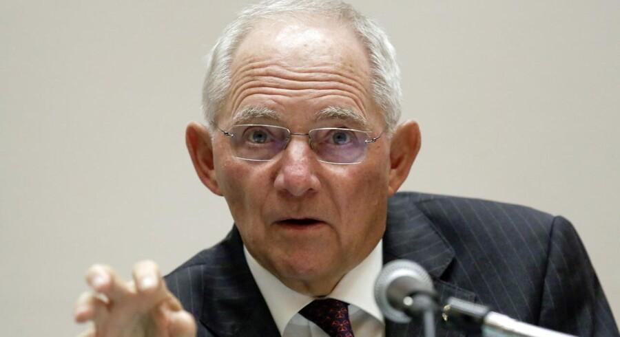 Tysklands magtfulde finansminister, Wolfgang Schäuble, under et G7-møde for finansministre i Japan i maj. Nu taler han om en EU-Kommission, der blander sig mindre og arbejder hurtigere. Foto: EPA/KIMIMASA MAYAMA