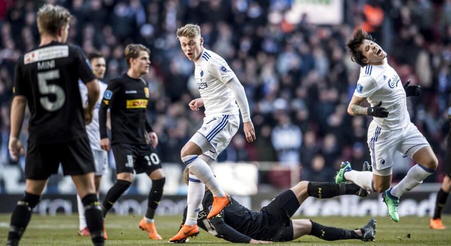 FC Københavns Viktor Fisher (7) og FC Københavns Federico Santander (9) under Alka Superliga kampen mellem FC København og FC Nordsjælland i Telia Parken i København, mandag den 2. april 2018.