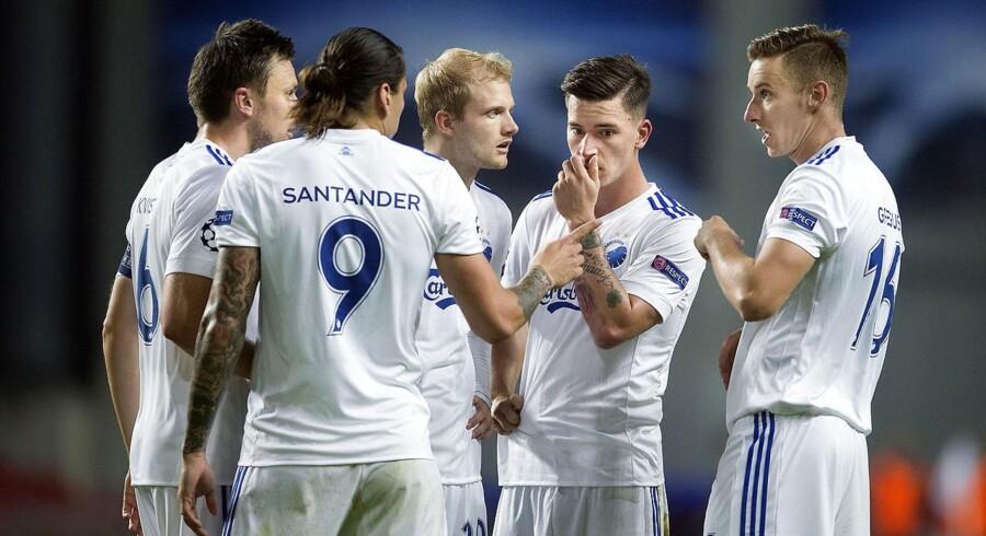 FCK-spillerne bærer sørgebind i torsdagens hjemmekamp mod det spanske storhold Atlético Madrid.