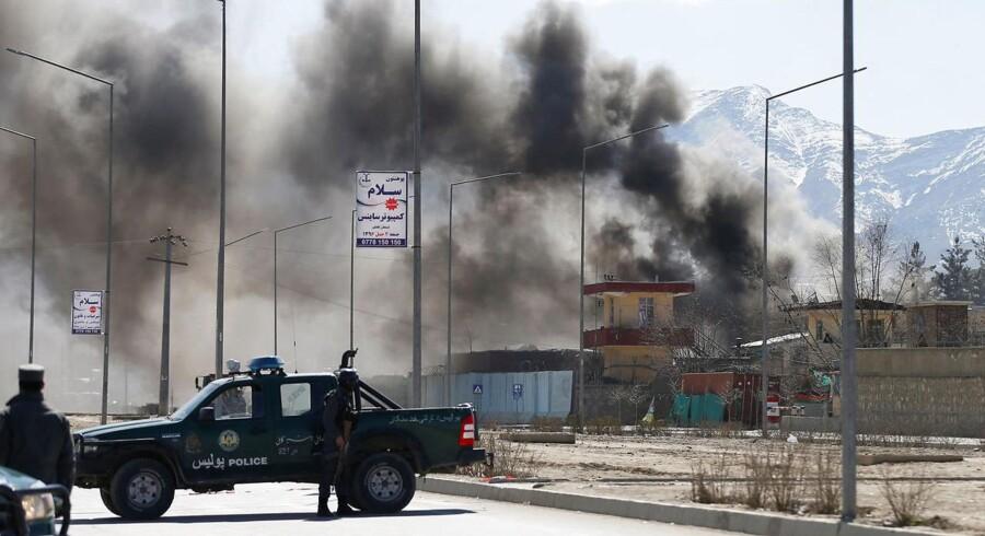 Arkivfoto. Taliban tager skylden for flere bombeangreb i den afghanske hovedstad. Politihovedkvarter er ramt.