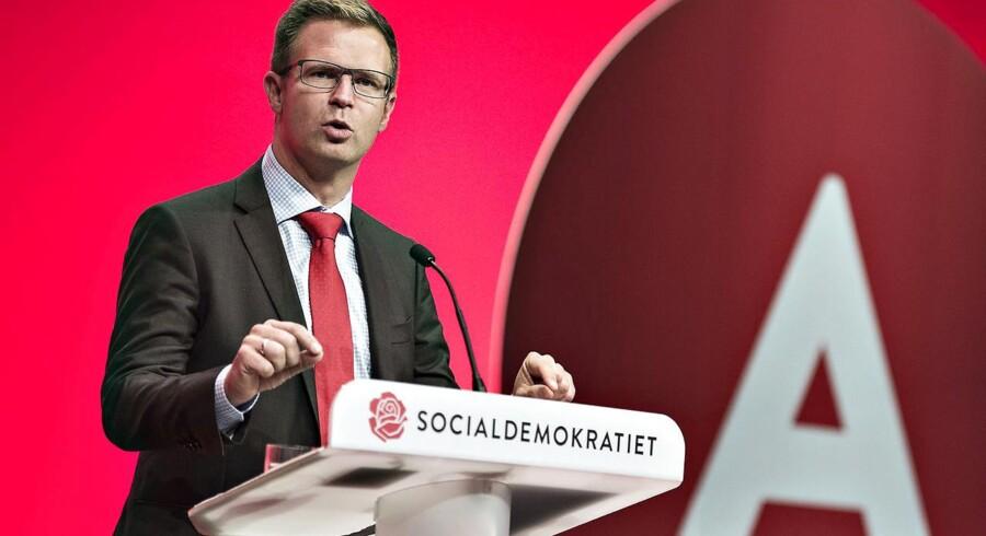 Her ses Benny Engelbrecht på talerstolen til Socialdemokratiets kongres i 2016. (foto: Henning Bagger / Scanpix 2016)