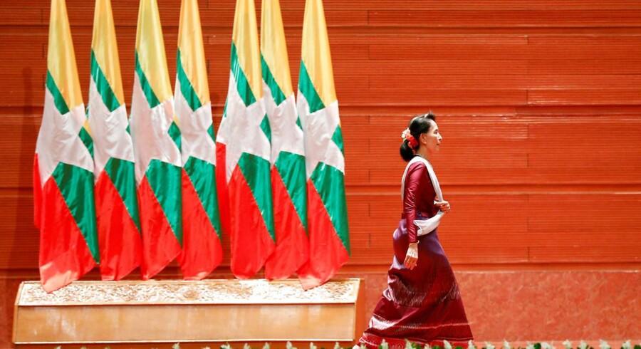 Den danske udenrigsminister, Anders Samuelsen (LA), kritiserer styret i Myanmar og den måde, som landets leder, Aung San Suu Kyi, har ageret på de seneste måneder i forbindelse med konflikten i landet.