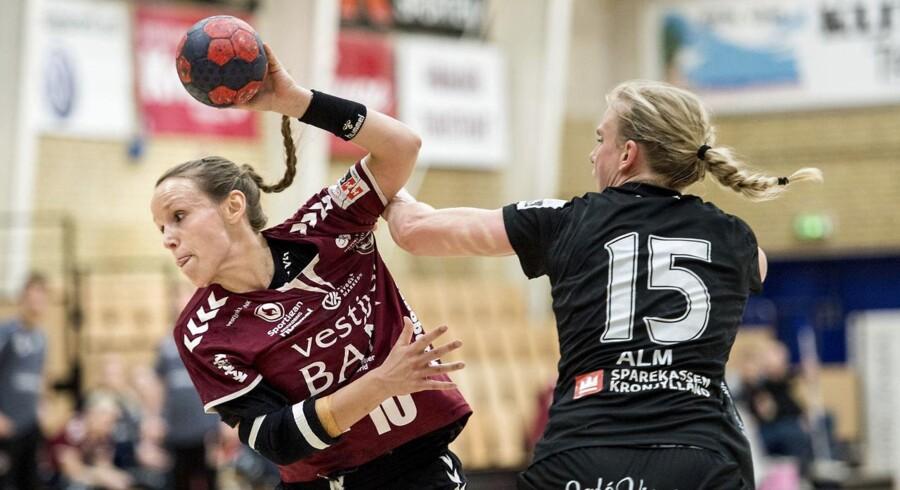 Arkivfoto. De sidste ti minutter endte som en regulær gyser, da København slog Team Esbjerg med 24-23 i håndboldligaen.