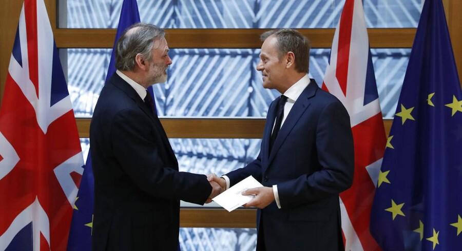 Brexit går i gang: Nu har EU modtaget britisk exit-brev.