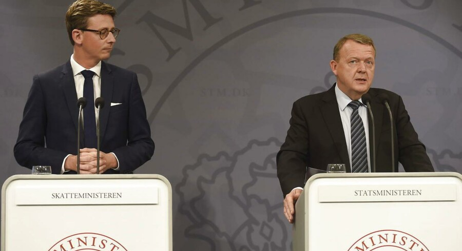 Tirsdag præsenterede statsminister Lars Løkke Rasmussen (V) sammen med skatteminister Karsten Lauritzen (V) en omorganisering af Skat.