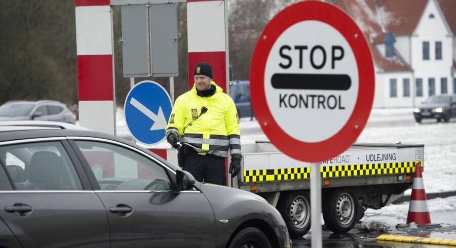 Grænsekontrol ved Kruså. Den 9. januar 2016. Siden grænsekontrollen blev indført i 2016, er 5488 udlændinge blevet afvist ved den dansk-tyske grænse. Arkivfoto.