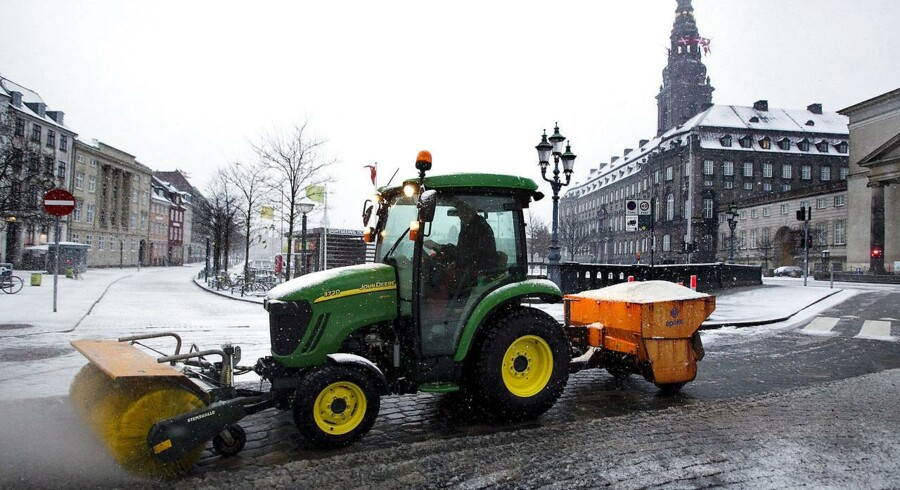 Mange måtte have hjælp til at starte bilen 2. juledag, der er den største hjemrejsedag. Især i Hovedstadsområdet har Falck haft travlt.