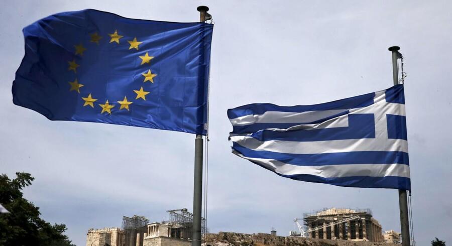Forholdet mellem den græske premierminister og landets kreditorer faldt til et nyt lavpunkt, efter Tsipras skrev en kronik med hård kritik i Le Monde.