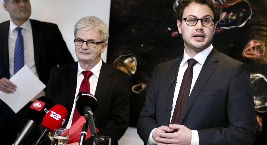 Jonas Dahl overtog Skatteministeriet fra Holger K. Nielsen for 49 dage siden. Nu går SF ud af regeringen.