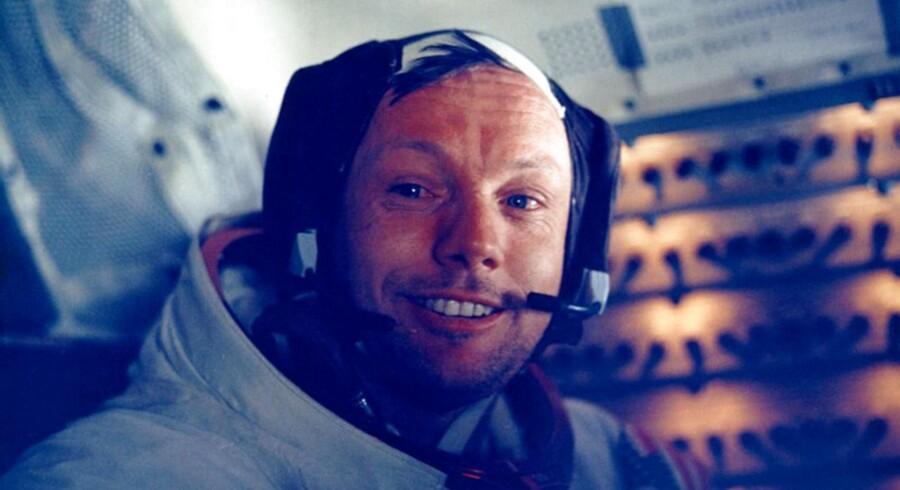 Neil Armstrong døde d. 25. august 2012 i en alder af 82.