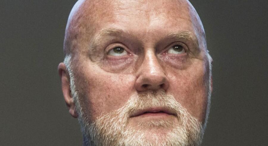 Topchef Allan Leighton blev afhørt som vidne i straffesagen mod Pandora. Han var bestyrelsesformand for selskabet i 2011, og det var ham som traf beslutningen om den dramatiske nedjustering, som kostede selskabets aktionærer et kursfald på 65 procent på en enkelt dag.