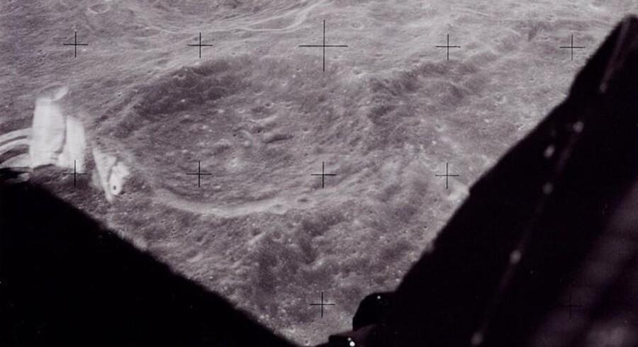 Udsynet fra landingsfartøjet, »The Eagle«, inden landingen på månen.