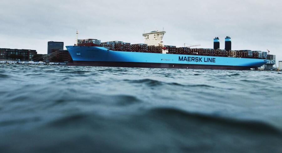 Containerrederiet Maersk Lines skib i Triple E-serie var i sommeren 2013 på besøg i Købehavns havn. Nu sejler et skib af samme type rundt med en rekordlast i Malaysia.