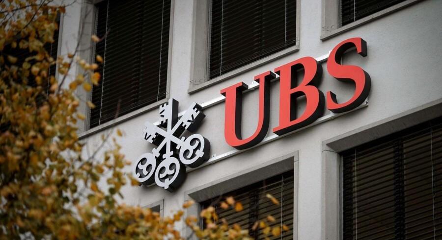 Schweiziske UBS bliver belønnet for at samarbejde med myndighederne og for at videregive information om andre banker.