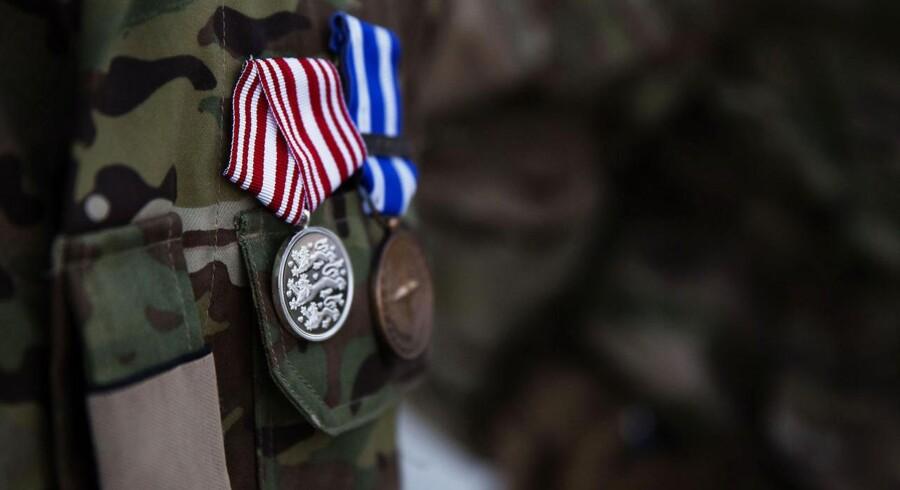 Inden turen til Camp Bastion fik soldaterne udleveret medaljer som tak for deres indsats i Afghanistan.