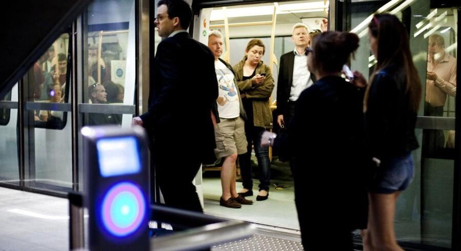 Rejsekortets problemer skal løses hurtigst muligt, mener transportministeren.